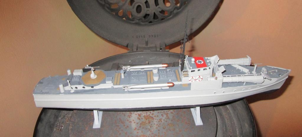"""La """"drôle de guerre"""" sur mer. E-boat (Schnellboot / S-boot) Airfix & Arado Revell 1/72ème. Img_1681"""