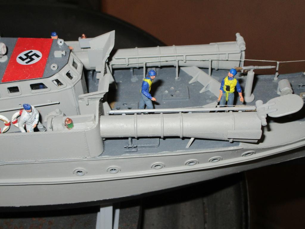 """La """"drôle de guerre"""" sur mer. E-boat (Schnellboot / S-boot) Airfix & Arado Revell 1/72ème. - Page 2 Img_1826"""