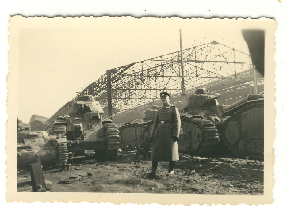 Nos chars Lourds B1-B1bis aux mains des Allemands. 102-0310