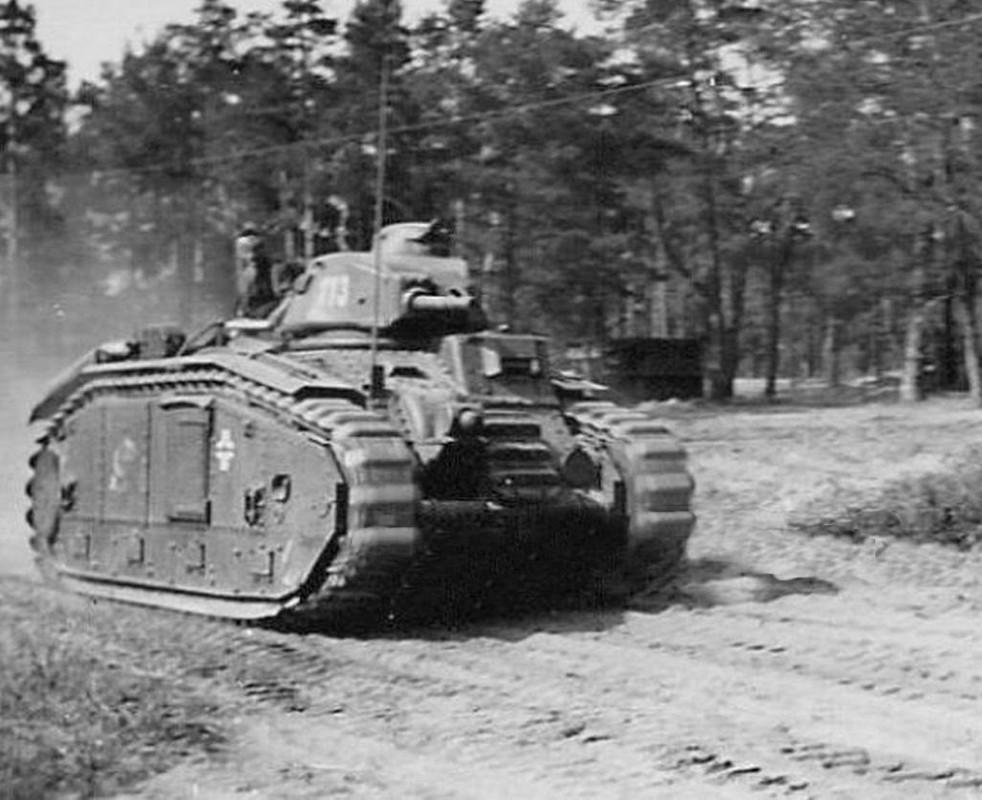 Nos chars Lourds B1-B1bis aux mains des Allemands. 113-0210