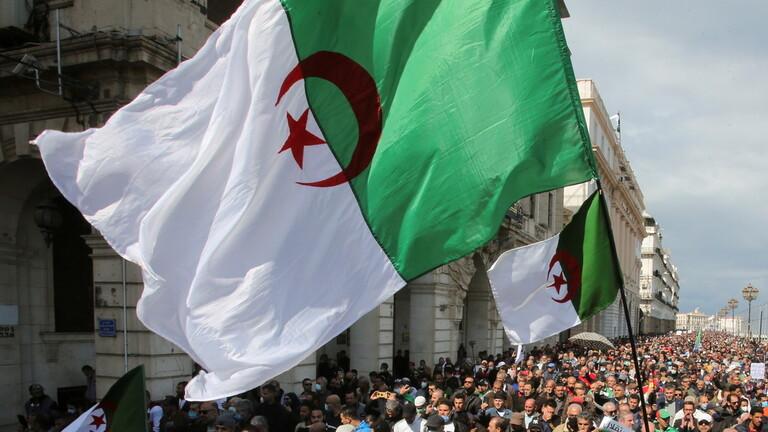 """وزارة الدفاع الجزائرية تعلن إحباط """"مؤامرة خطيرة"""" تستهدف البلاد خططت لها الحركة الانفصالية """"ماك"""" 60858011"""