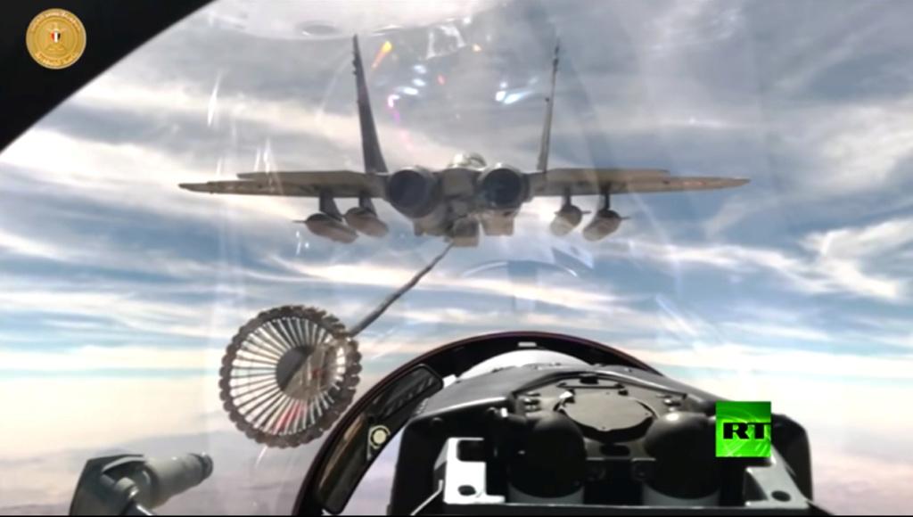 التزود بالوقود جوا بين طائرات ذات تكنلوجيات مختلفه المنشأ / سلاح الجو المصري انموذجا  Aar_mi10
