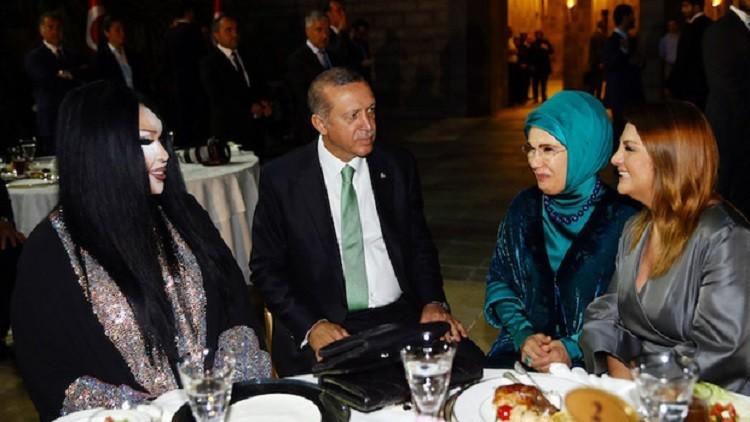 لماذا يفتخر أردوغان بأجداده العُثمانيين؟ - صفحة 3 Khalif10
