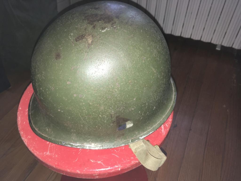 Casque USM1 avec insigne sur les côtés. Image10