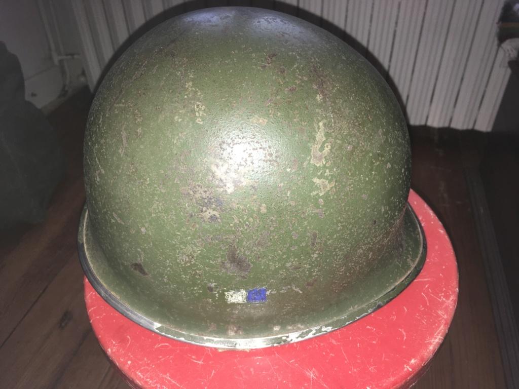 Casque USM1 avec insigne sur les côtés. Image11
