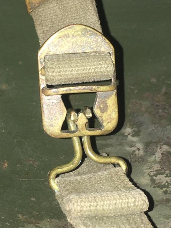 Casque USM1 avec insigne sur les côtés. Image12