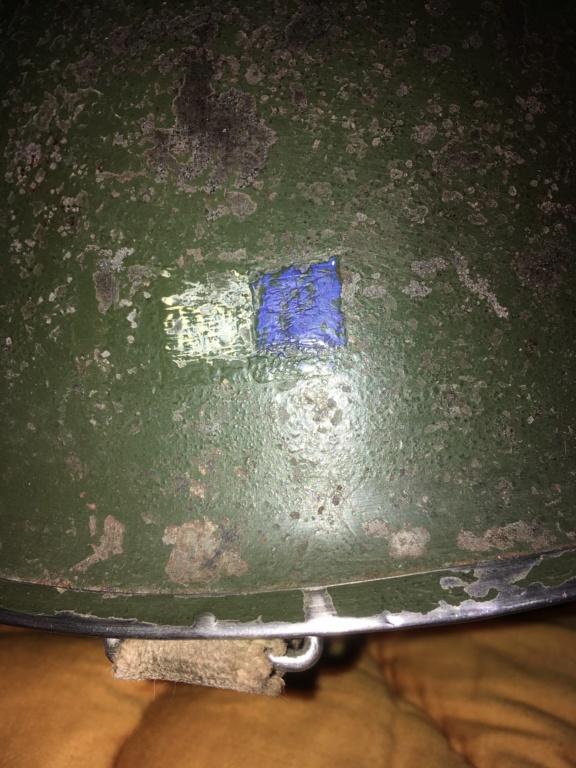 Casque USM1 avec insigne sur les côtés. Image13