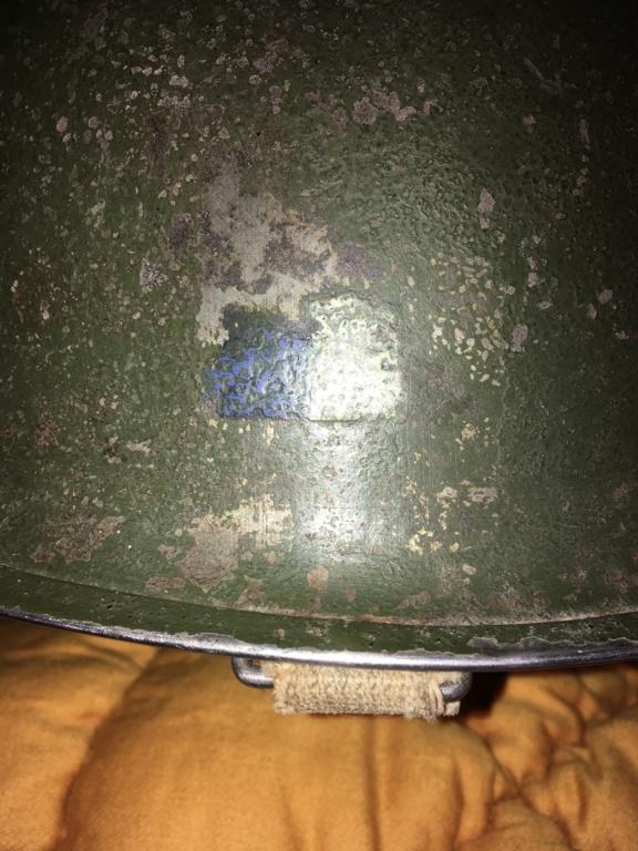 Casque USM1 avec insigne sur les côtés. Image14
