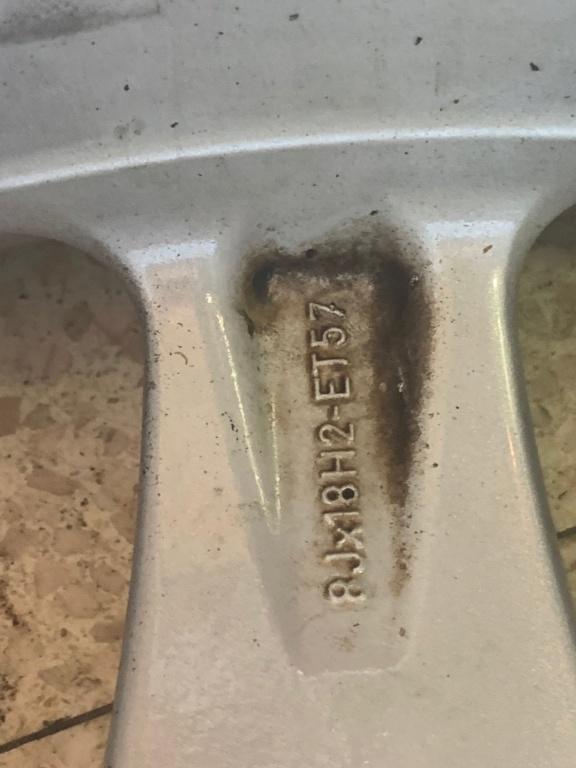Taille maximale des pneus sur 986 Boxster - Page 2 Img_1811