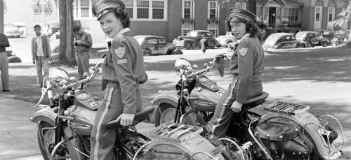 Vieilles photos (pour ceux qui aiment les anciennes photos de bikers ou autre......) - Page 14 Tumbl266