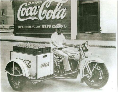 Vieilles photos (pour ceux qui aiment les anciennes photos de bikers ou autre......) - Page 14 Tumbl273