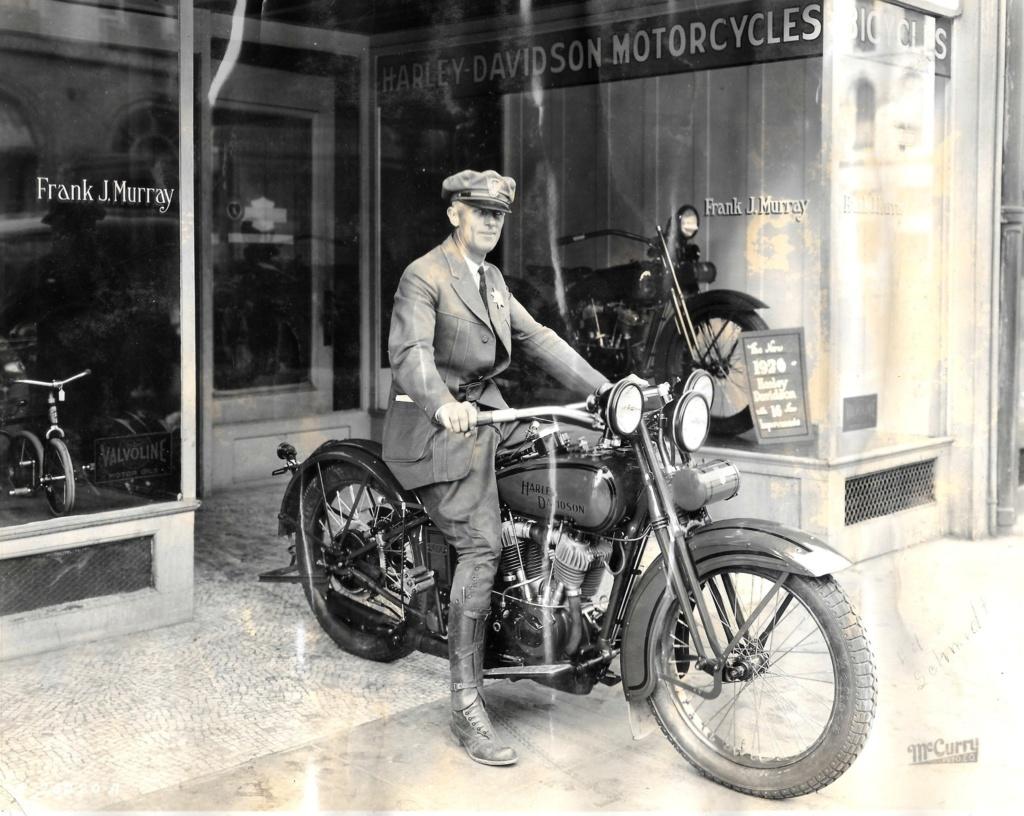 Vieilles photos (pour ceux qui aiment les anciennes photos de bikers ou autre......) - Page 14 Tumbl274