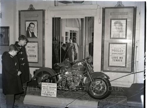 Vieilles photos (pour ceux qui aiment les anciennes photos de bikers ou autre......) - Page 14 Tumbl281