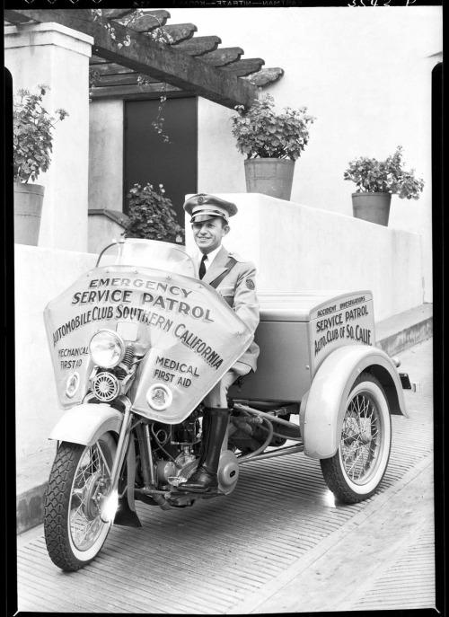 Vieilles photos (pour ceux qui aiment les anciennes photos de bikers ou autre......) - Page 14 Tumbl282