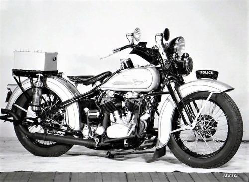 Vieilles photos (pour ceux qui aiment les anciennes photos de bikers ou autre......) - Page 14 Tumbl284