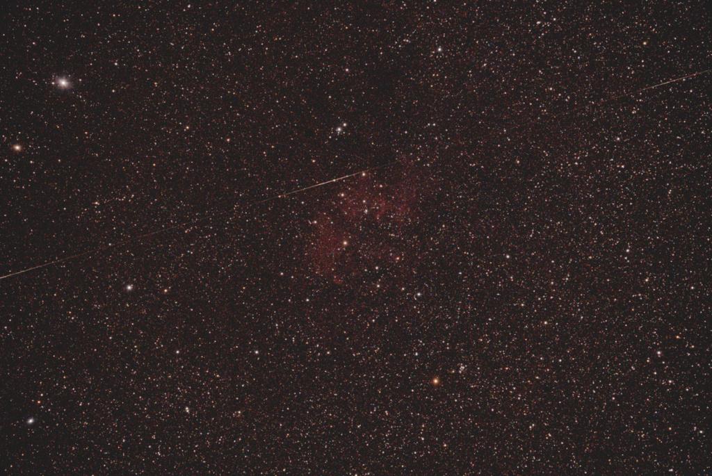 3 Flares satellite dans SH2-134 Sh2-1310