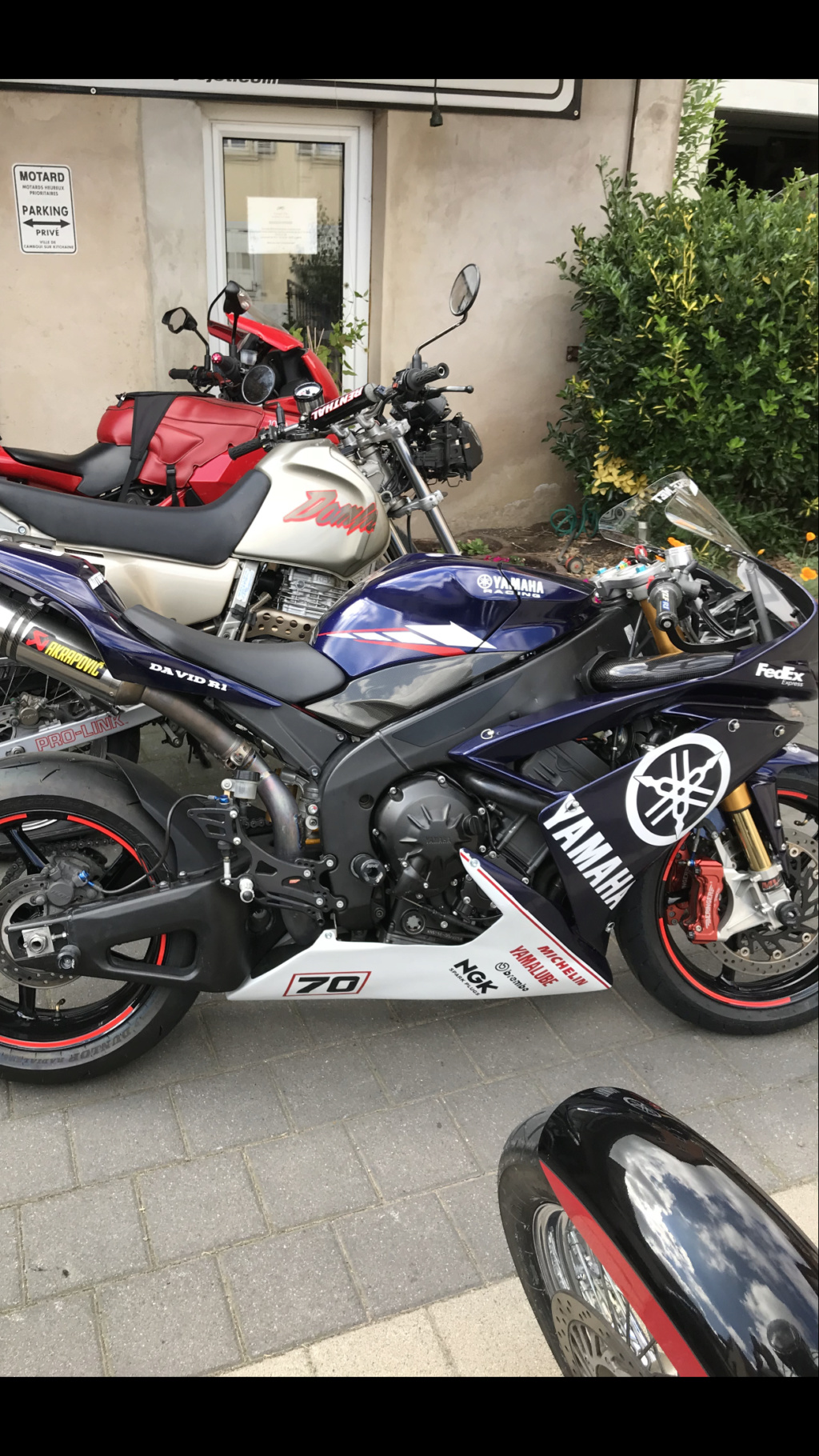 R1 2008 5900 euro vendu 22274e10