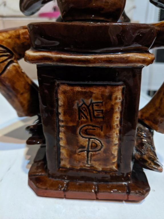 Studio pottery frog statue Img_2013