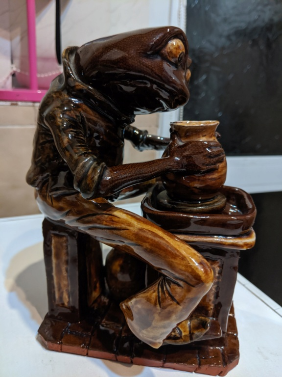 Studio pottery frog statue Img_2015