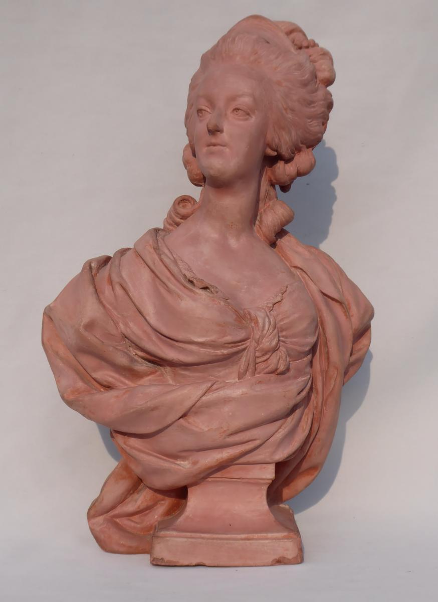 A vendre: bustes Marie Antoinette - Page 10 45820810