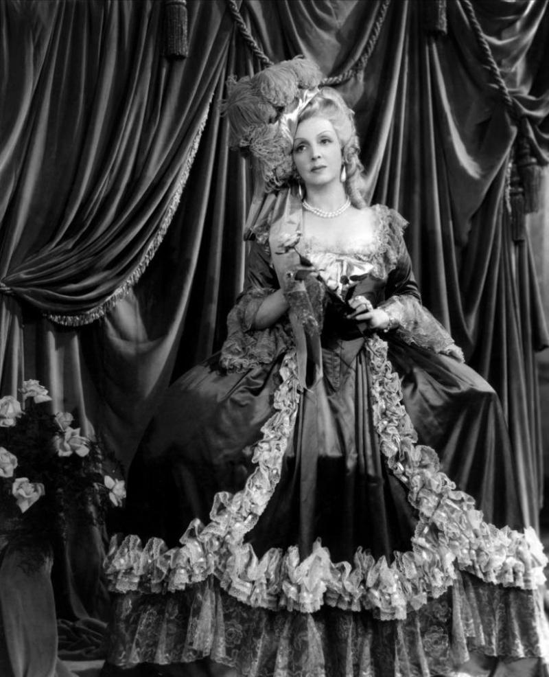 Marie-Antoinette à travers le cinéma - Page 19 Ob_31610