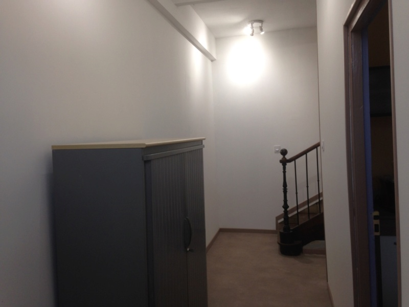 Placage d' escalier  4c4ce410