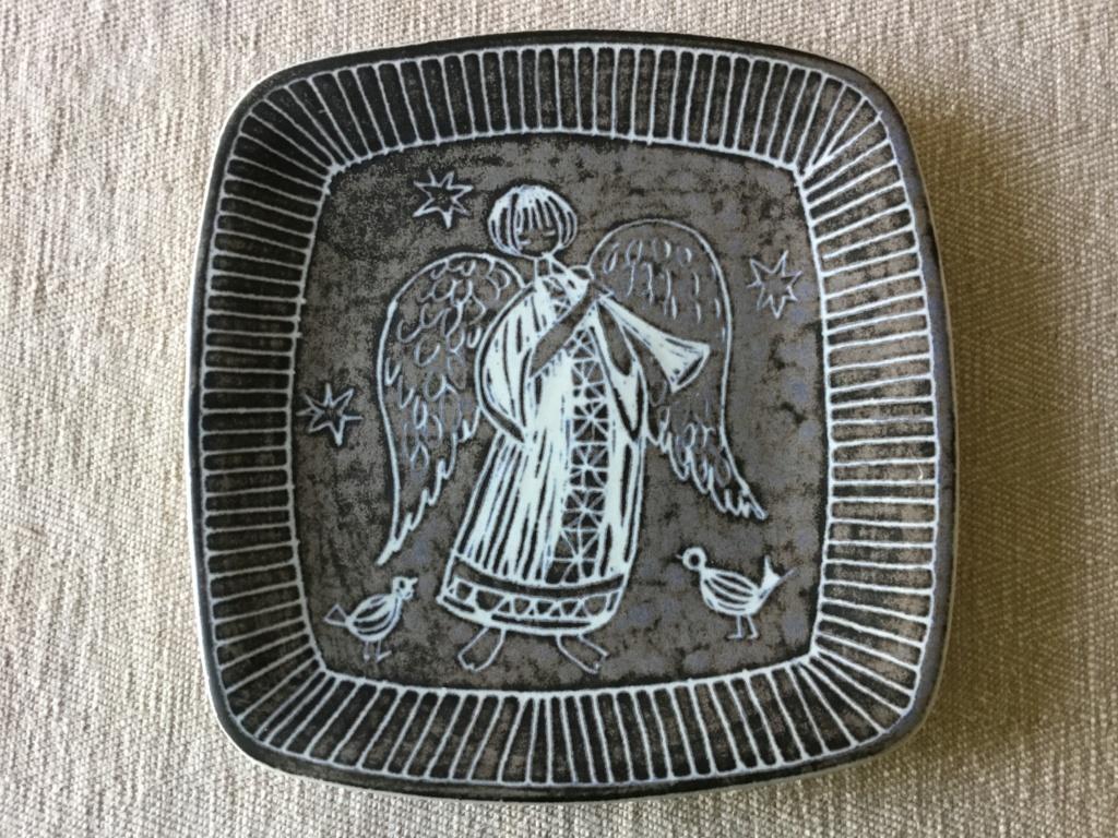 Square Angel wall plate Scandinavian? 00f1f110