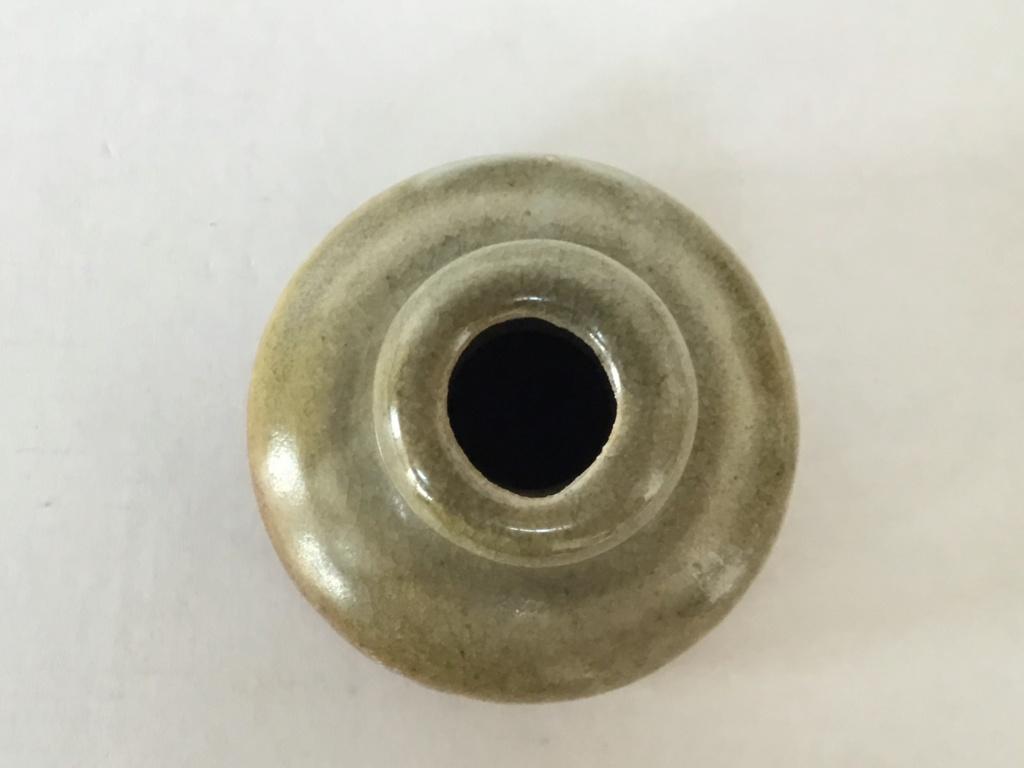 Stoneware studio Bud Vase, unusual mark 067fe210
