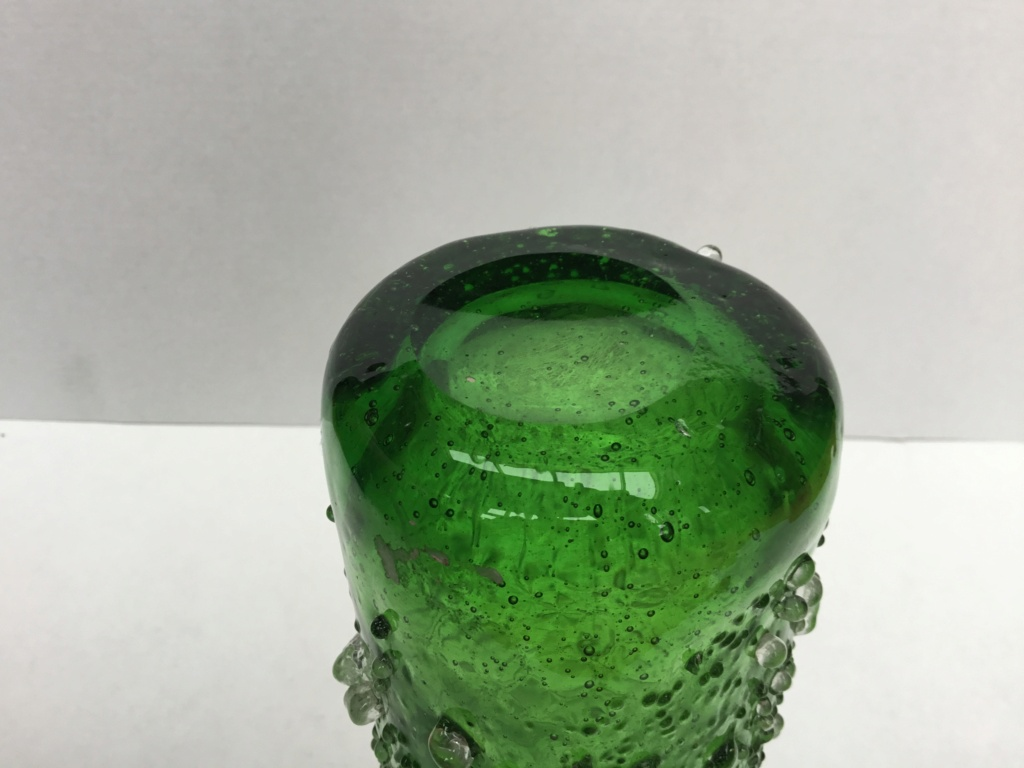 Green vase, ice crystal finish, Concave ground Base 07cd8310