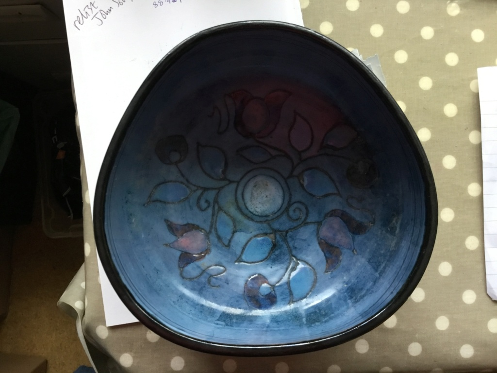 Studio bowl, Incised flowers, signed 0a78be10