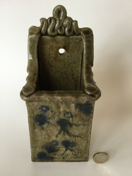 Studio slab wall vase, 2 marks - cross & dots mark and GL? Ash glaze 0b7cc010