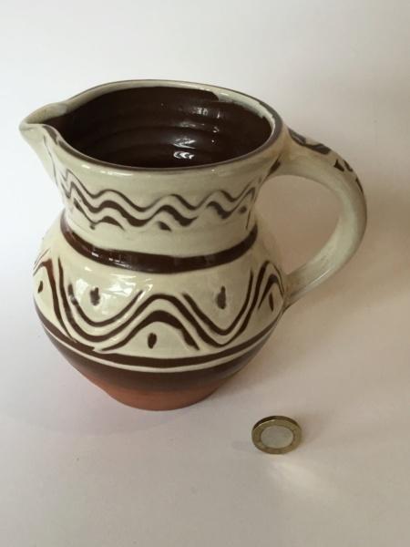 "6"" slipware studio jug, no mark 0bc1c810"