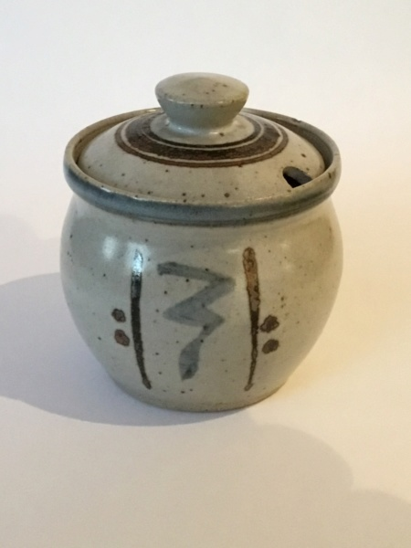 Sidney Tustin Winchcombe jam pot, unusual mark 0ce8f310