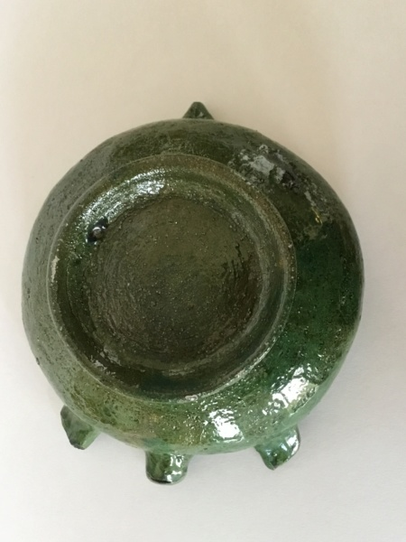 Old green art pottery pig bowl, foreign? 13d1e610