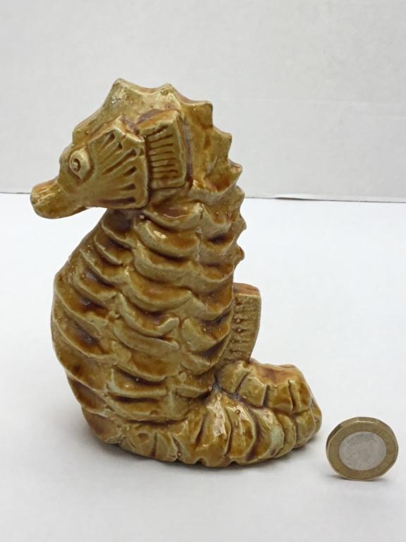 Seahorse studio figurine, marked 172c3910