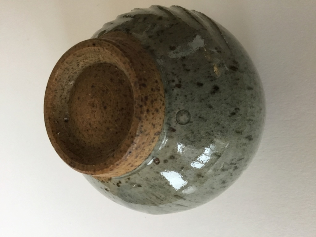 Ash glaze yunomi, combed? shaped pattern 177d0810