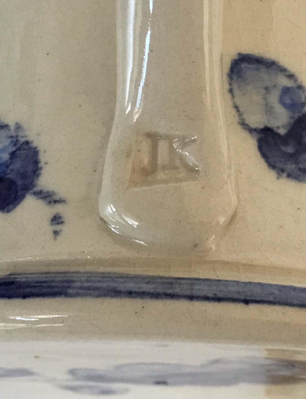 JK mark, blue & white studio oak leaf mug - Judith King?  18958710