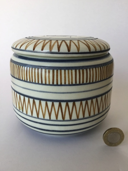 Handpainted heron container and lid 20c27410