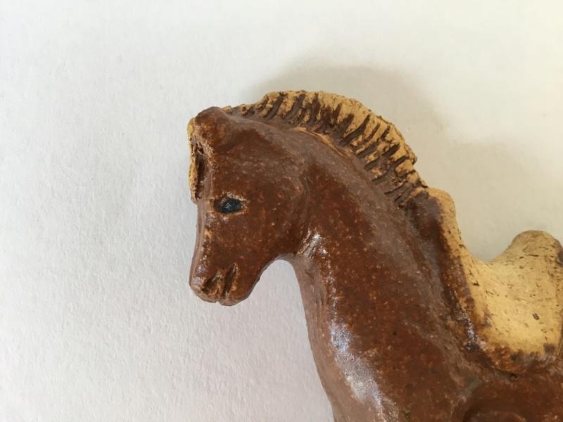 Stoneware horse, spiky or tree mark 27455510