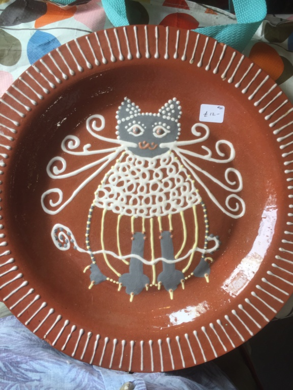 Slipware cat plate HRH ? HARH? Mark 27b31110