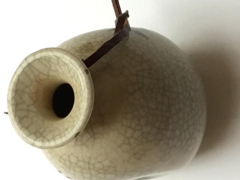 Japanese style crackle glaze bud vase, bee design, Jo Jones? Jojo?  359ee010