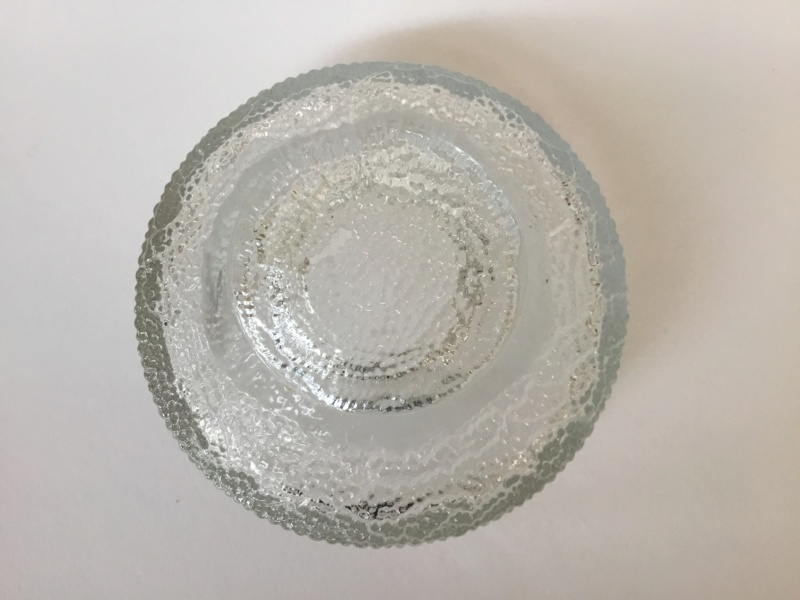 Moulded clear glass ribbed ice style desert bowls, Ravenhead. 37b53110