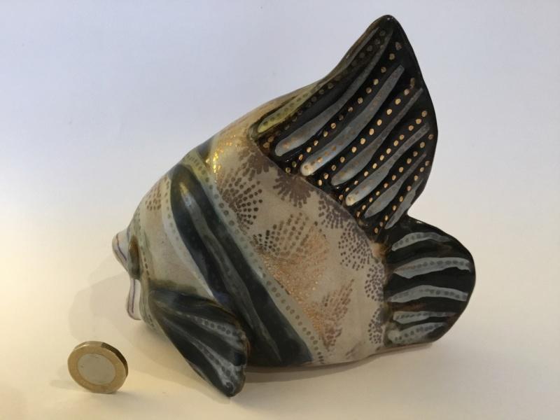 Pretty/ grotesque studio pottery fish, gold decoration  37e11f10