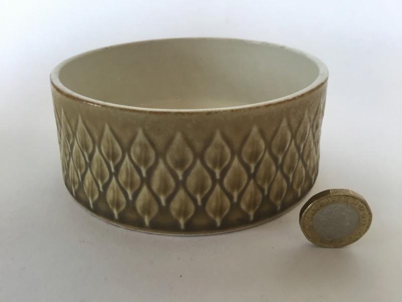 Leaf pattern bowl. Scandinavian?  3cc54f10