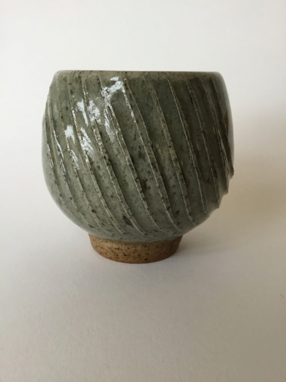 Ash glaze yunomi, combed? shaped pattern 41626510