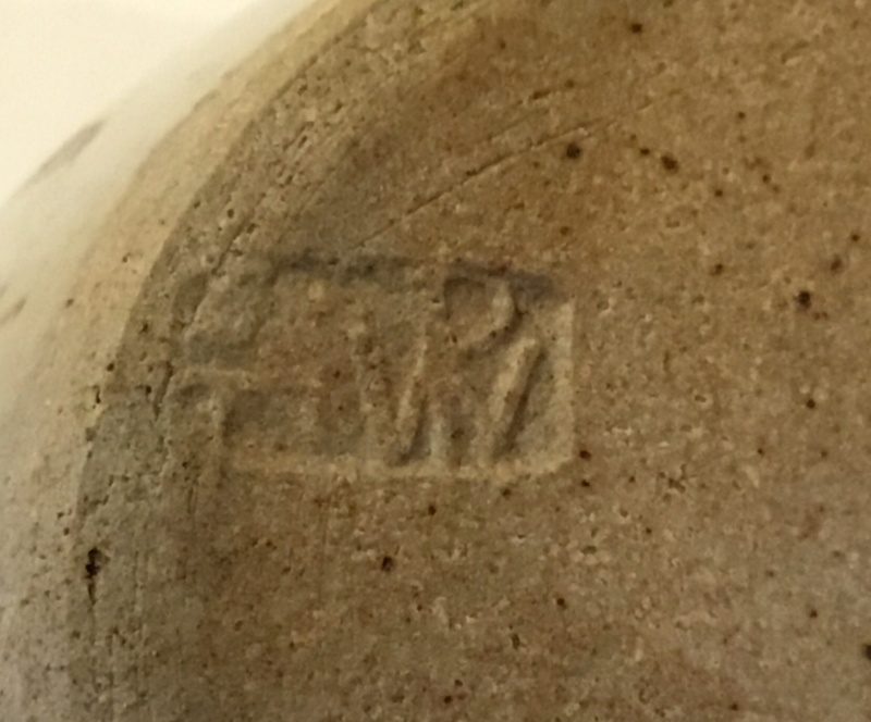 Sidney Tustin Winchcombe jam pot, unusual mark 46f33810