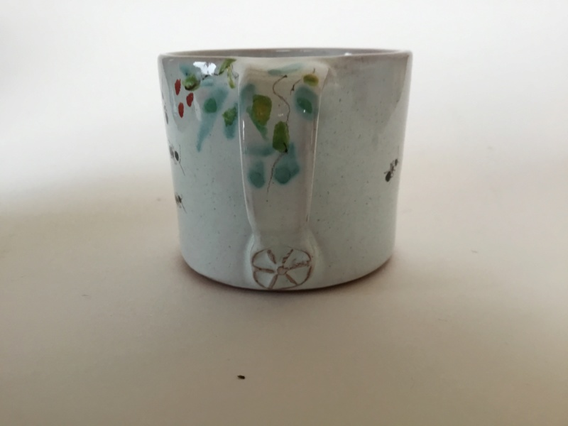 Small studio cup, ants & flowers decoration, spoked wheel stamp , leaf mark 4acc9a10