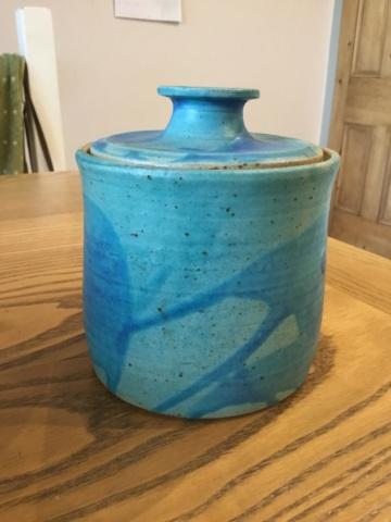 Studio lidded jar, JM  or SM mark  51ace410