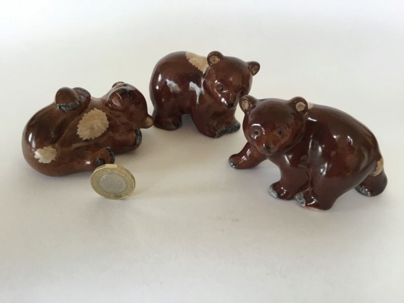 3 porcelain brown bear figurines , Mark 92 527e7d10