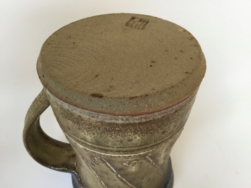 Studio tankard, tenmoku& speckled green glaze, line pattern, unknown mark 5593ad10